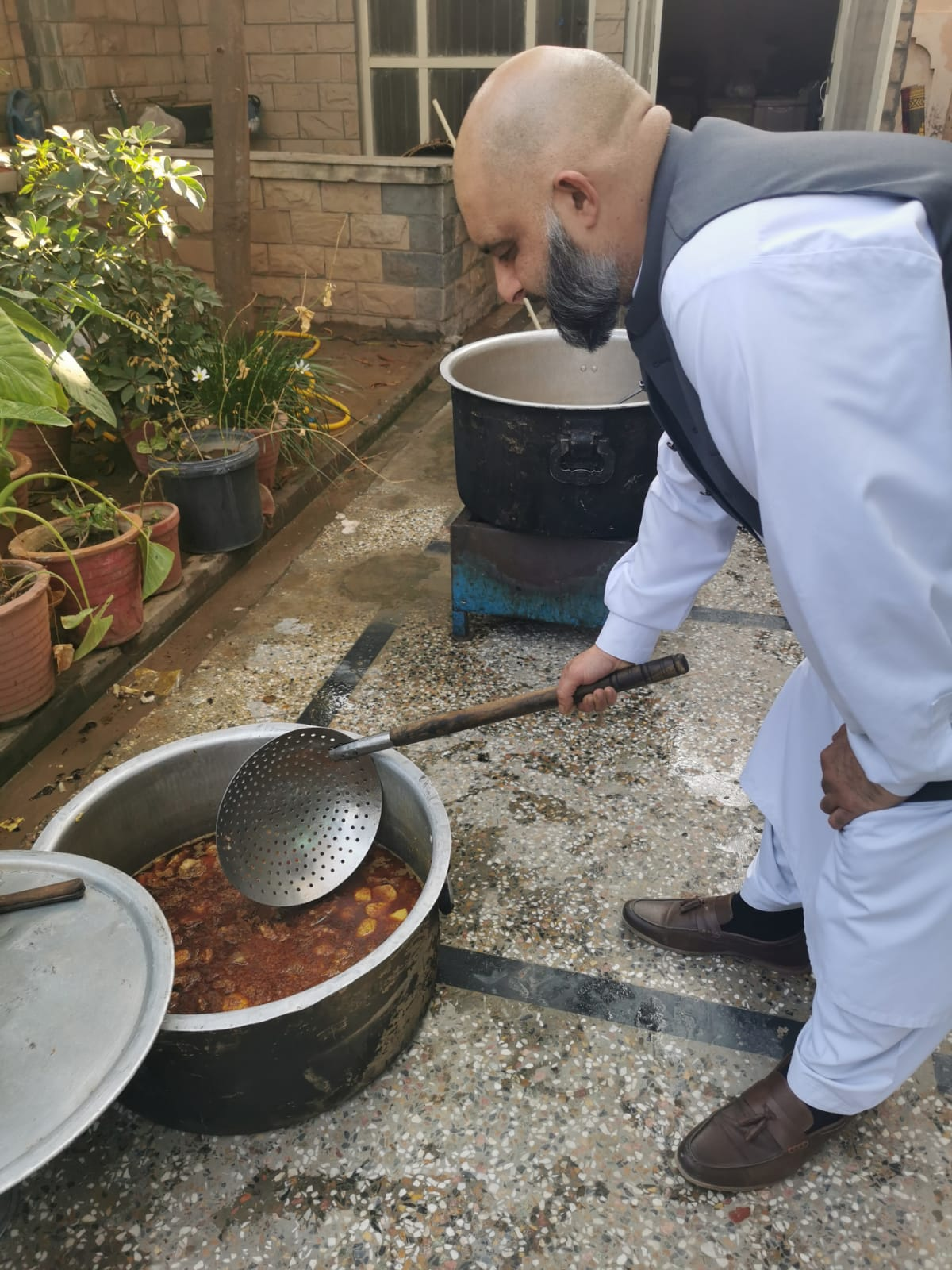 Chef Hussain cooks from Pakistan